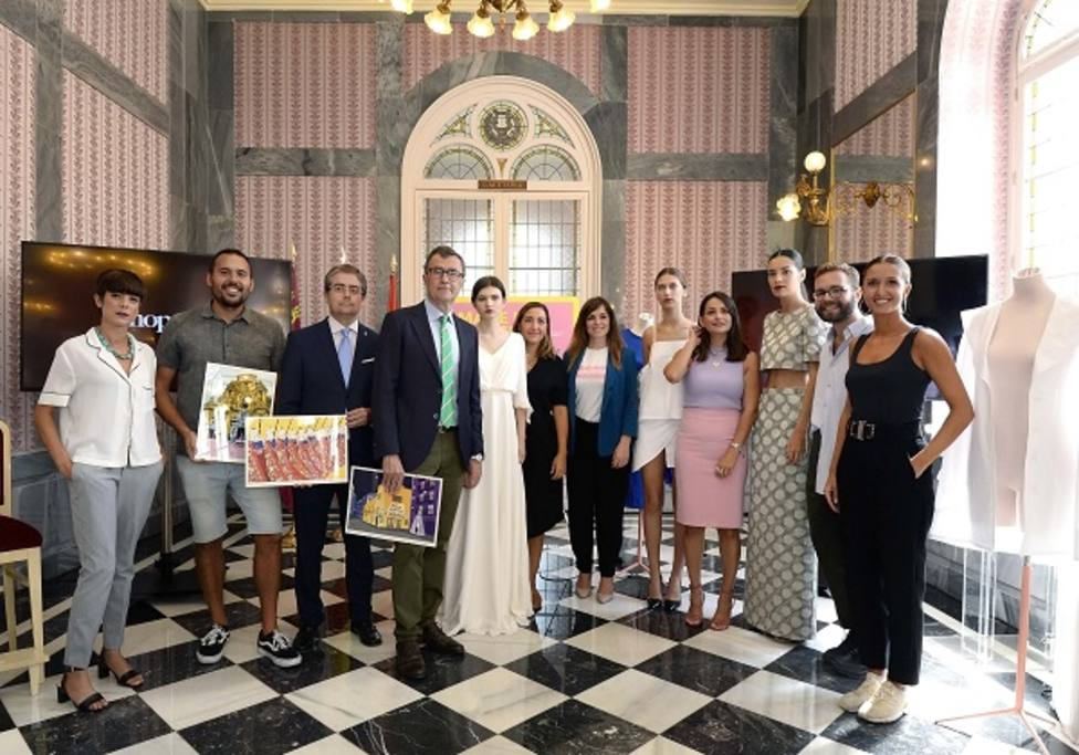El paseo Alfonso X el Sabio se convierte este jueves en una pasarela de excepción de la moda 'Made in Murcia'