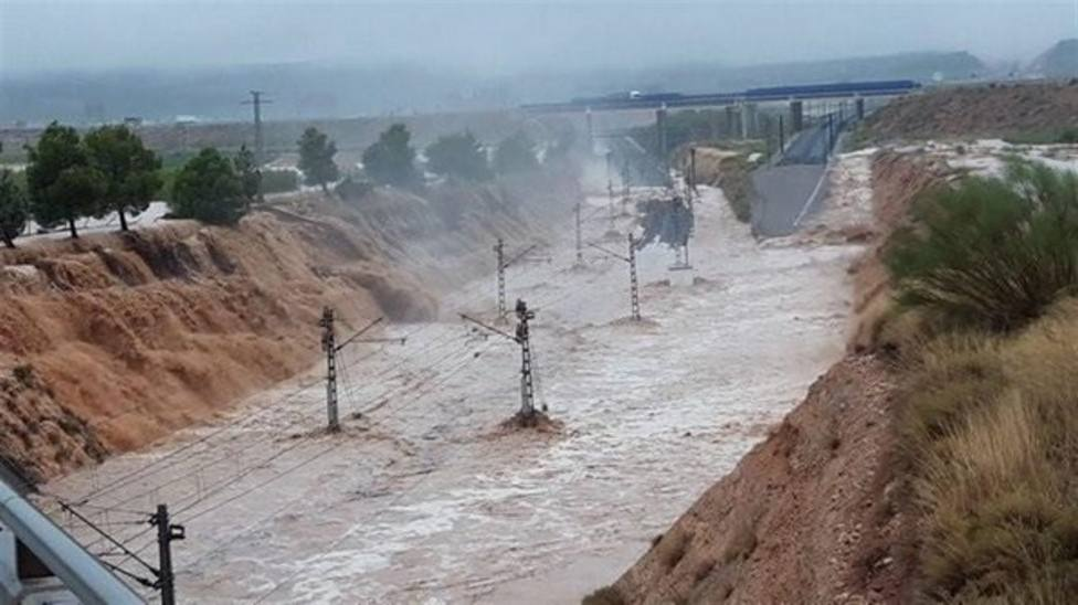 Interrumpen la circulación ferroviaria en diversas líneas de ancho convencional en Levante por las lluvias