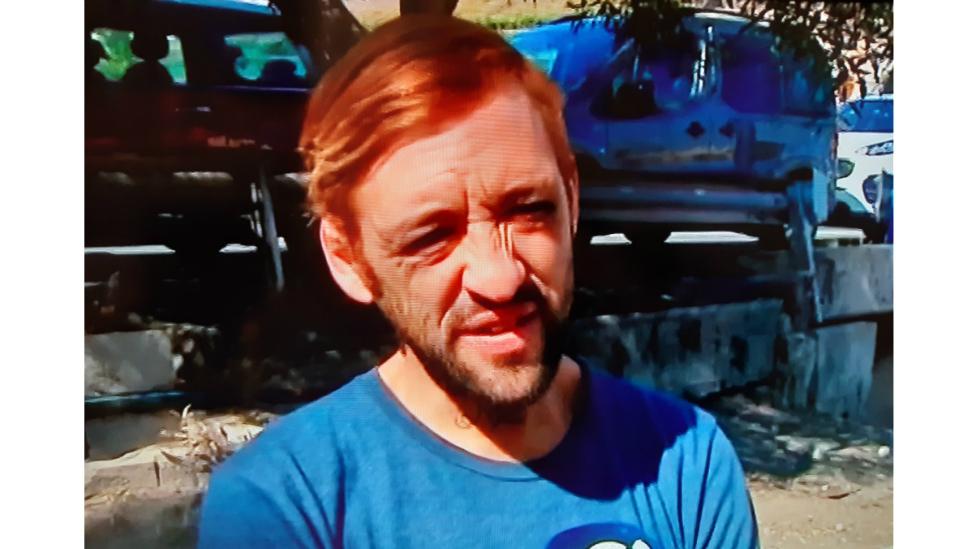 """""""Me dieron 5€ para que me dejara pegar"""" El joven agredido en un vídeo vive en la calle y aceptó por necesidad"""