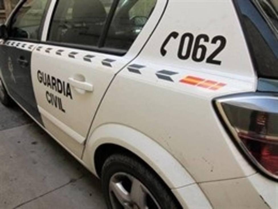 Una patrulla de la Guardia Civil cuida durante horas a tres menores cuya madre se puso de parto