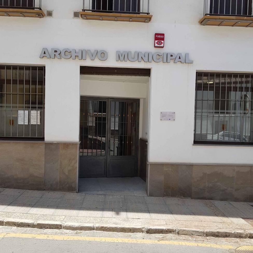 El Archivo Municipal e Histórico de Protocolos Notariales del Ayto de Guadix atiende en horario de verano
