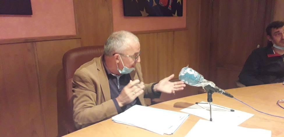 El alcalde de Laza, Jesús Blanco, en un reciente pleno.
