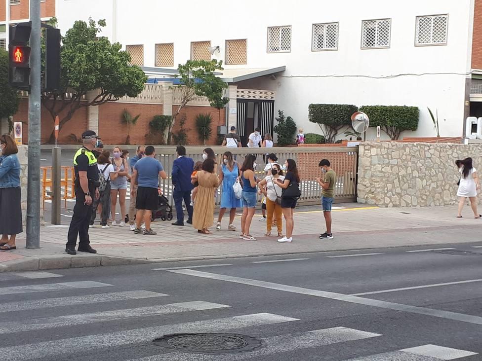 Imagen del dipsositivo de control y vigilancia en los accesos a los colegios (Ayuntamiento)