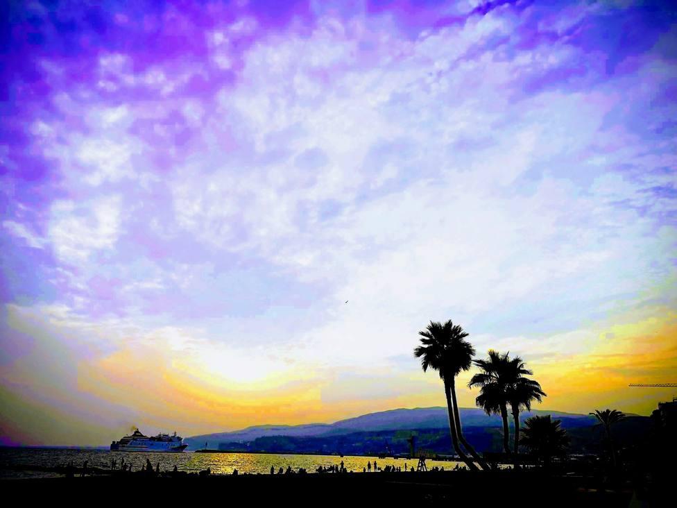 ¿Qué imagen del Puerto de Almería pintarías para el Concurso de Postales de Navidad?
