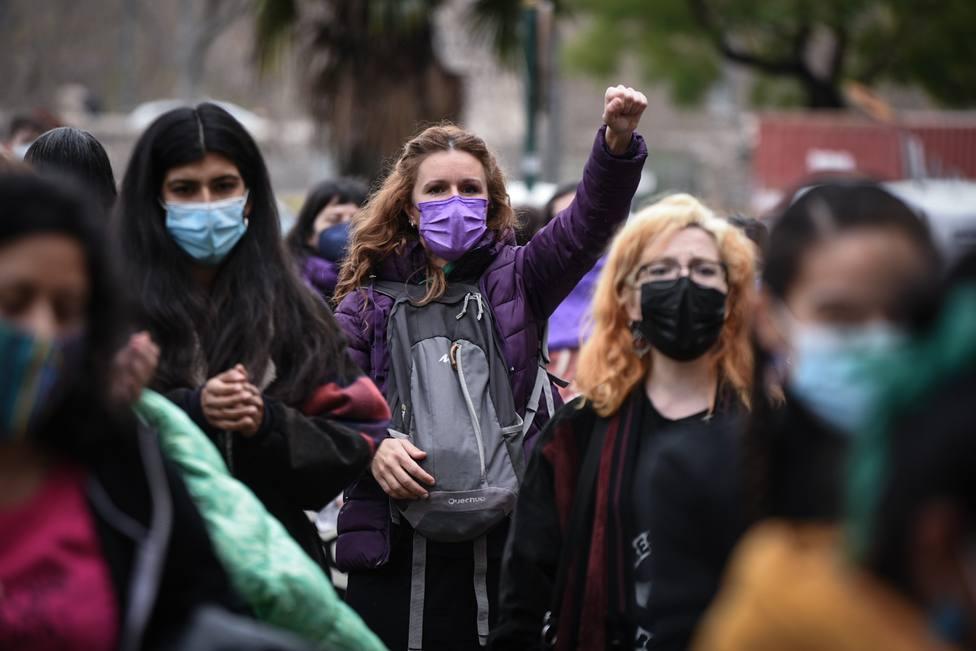 Concentraciones de mujeres alzan la voz en Valencia por el 8M