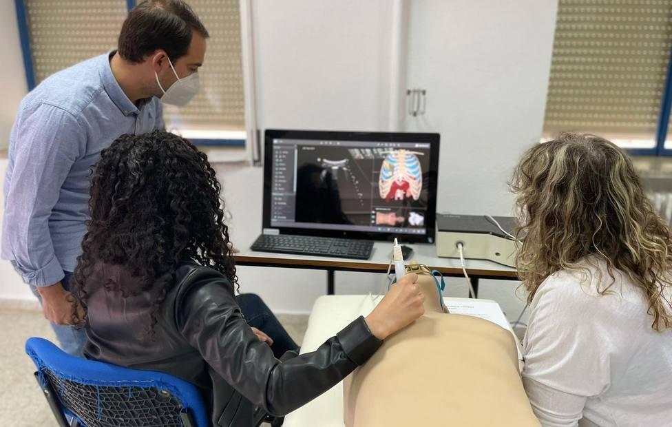 Profesionales en ecografía del SAS se forman para diagnosticar y tratar secuelas del Covid-19