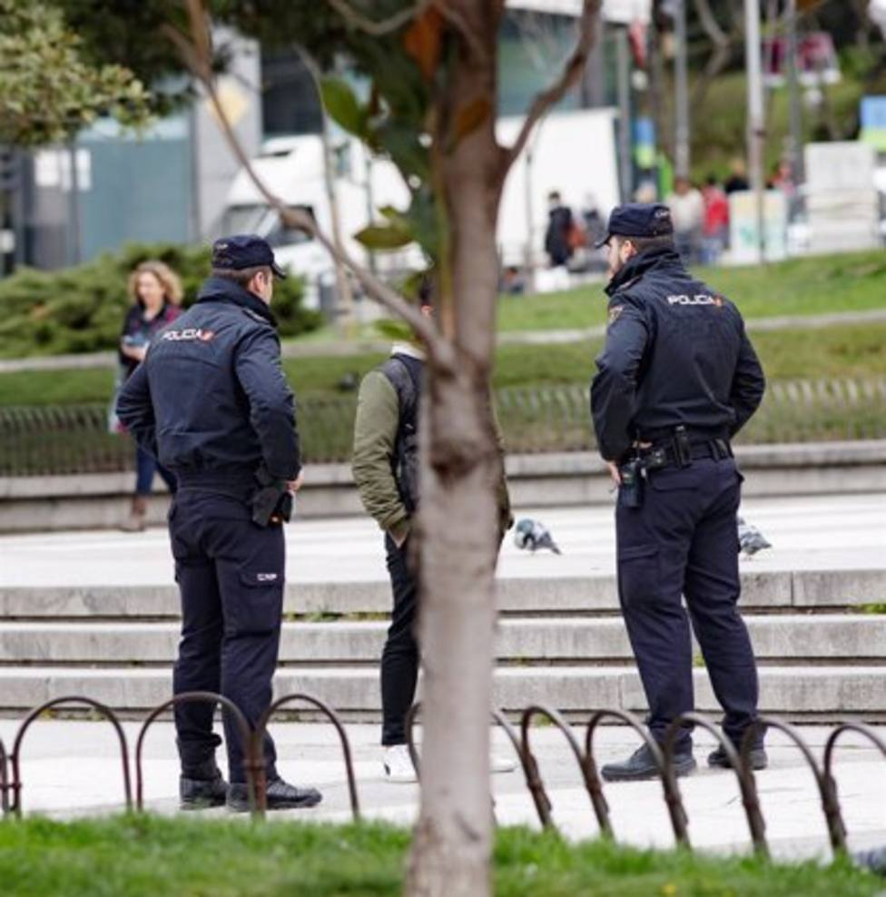 Policía Nacional realizando controles
