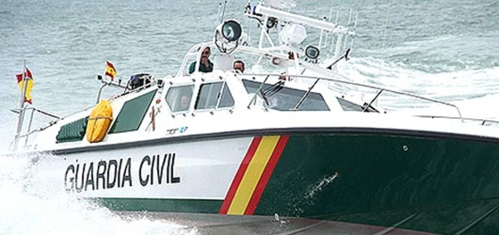 Detenidos los cuatro tripulantes de una narcolancha de última generación frente a la Costa Tropical de Granada