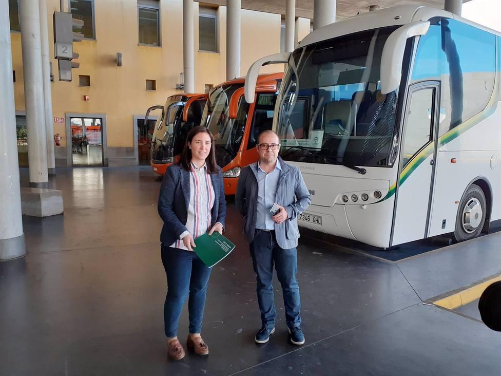 La Junta incrementa los servicios de autobús en varios municipios de la provincia