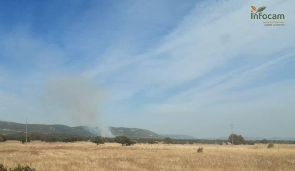 Incendio en Alcoba de los Montes