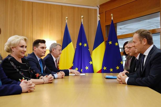 Tusk critica la reforma judicial de Rumanía: Corresponde a los jueces decidir quién es culpable o inocente
