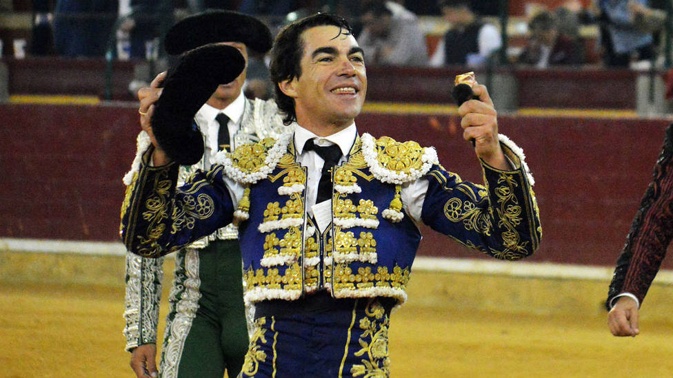 Domingo López Chaves con la oreja cortada este martes en el coso de La Misericordia