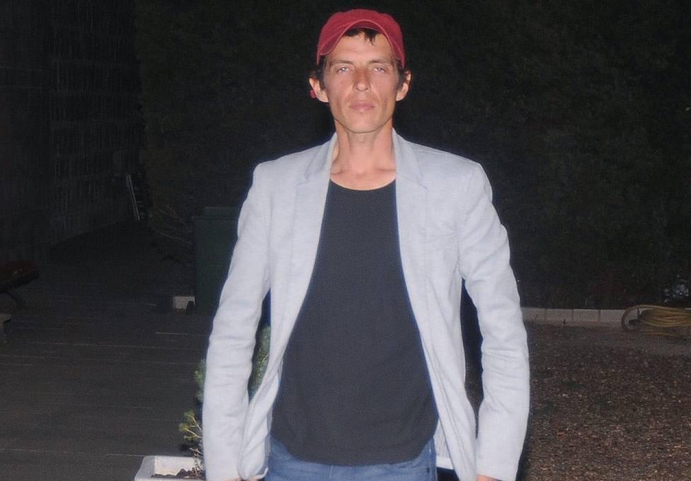 Camilo Blanes da el último adiós a su padre en la más estricta intimidad