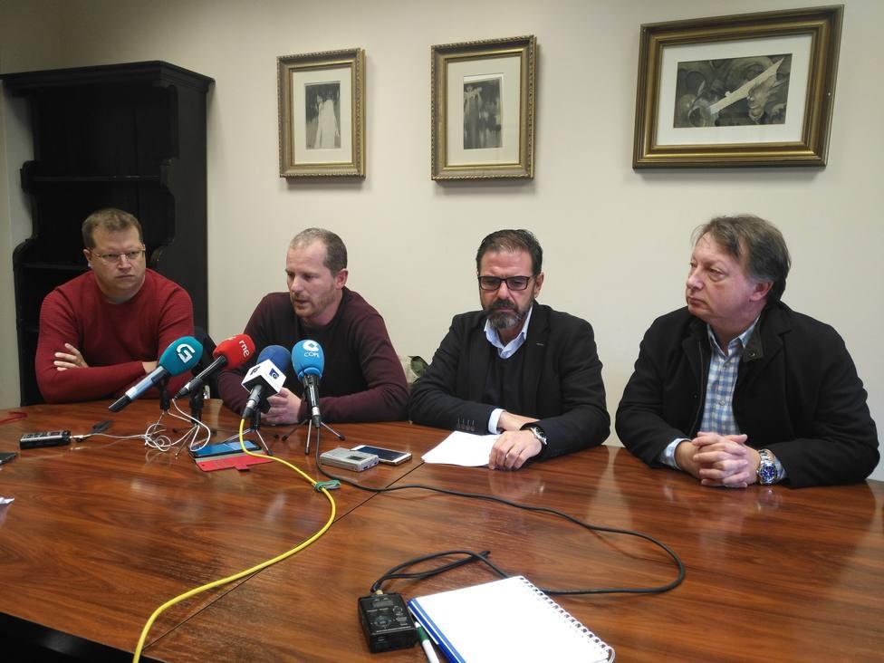 Integrantes de comité de empresa de Reganosa con el alcalde de Ferrol