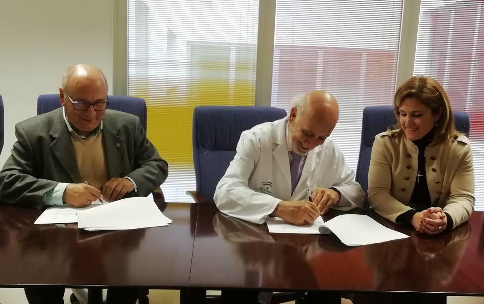 Acuerdo entre el Hospital de Jaén y Cáritas para el acompañamiento en enfermos hospitalizados