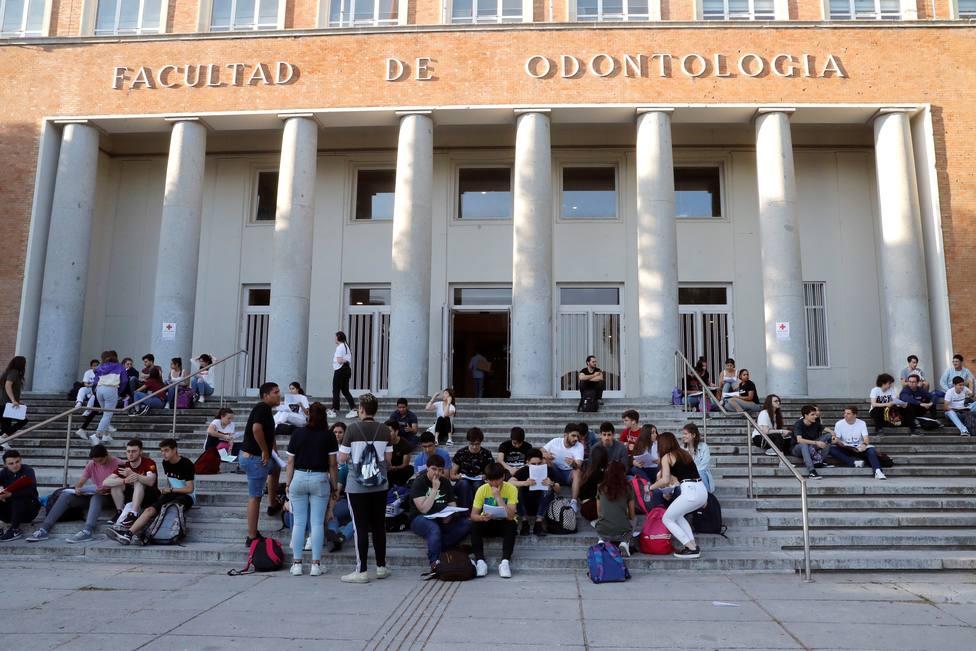 Profesores de la Complutense, denunciados por amañar concursos de plazas