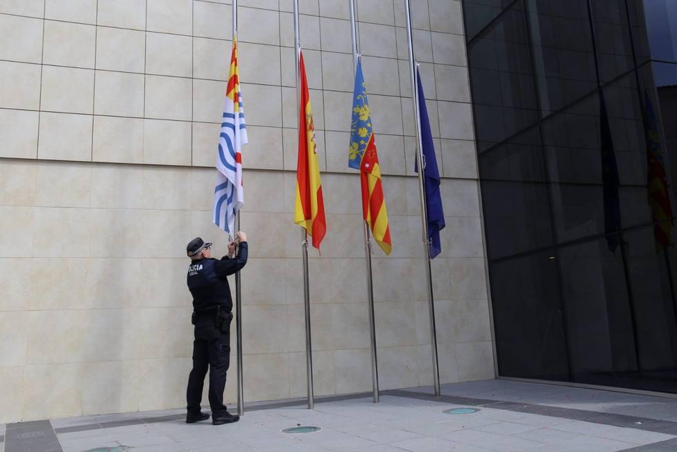 Onda es uno de los municipios que izado las banderas a media asta