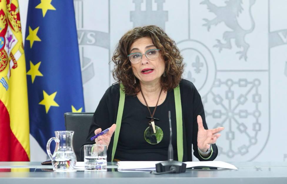 Montero asegura que el fondo del Estado cubrirá el gasto sanitario de la Junta por COVID 19