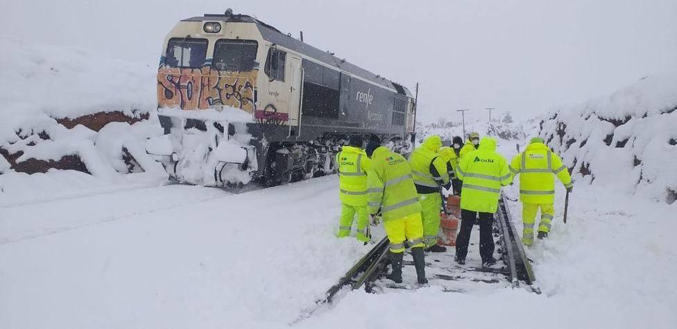 Locomotoras exploradoras realizarán reconocimientos previos a la circulación de trenes con viajeros