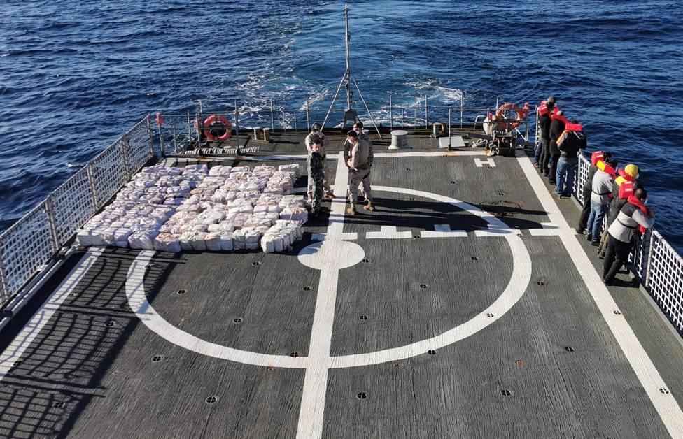 El buque de acción marítima Serviola de la Armada Española intervino casi 3.000 kilos de cocaína