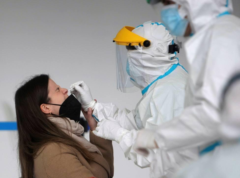 Aumentan los fallecidos por covid en Madrid y la presión hospitalaria