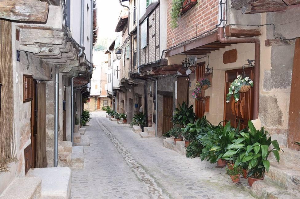 Una calle de San Martín de Trevejo