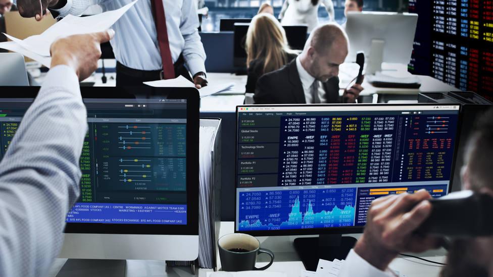Calma tensa en los mercados financieros