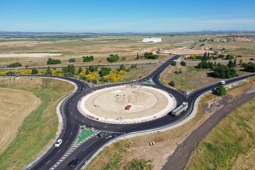 Recepcionada la obra de las nuevas glorietas de acceso a la Plataforma Logística del Suroeste Europeo en Badajoz