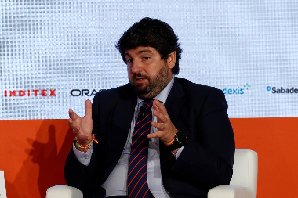 López Miras lamenta que Sánchez no se vaya a sentar a negociar la ley de pandemias