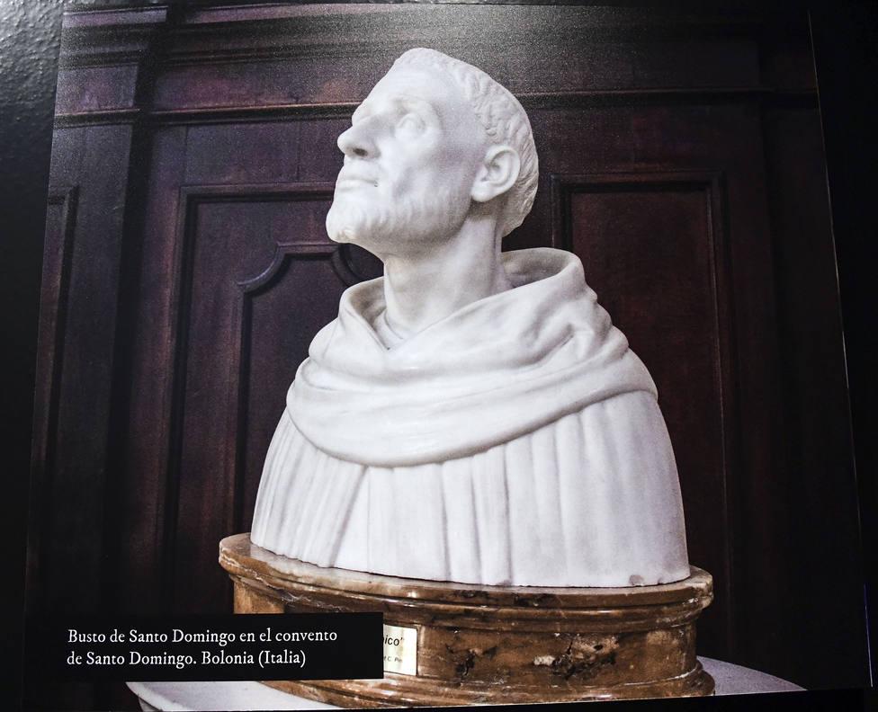 Imágenes de Santo Domingo de Guzmán en una de las exposiciones por los 800 años desde su muerte