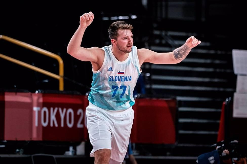 JJ.OO/Baloncesto.- Dragic y Doncic guían a Eslovenia a su primera semifinal olímpica