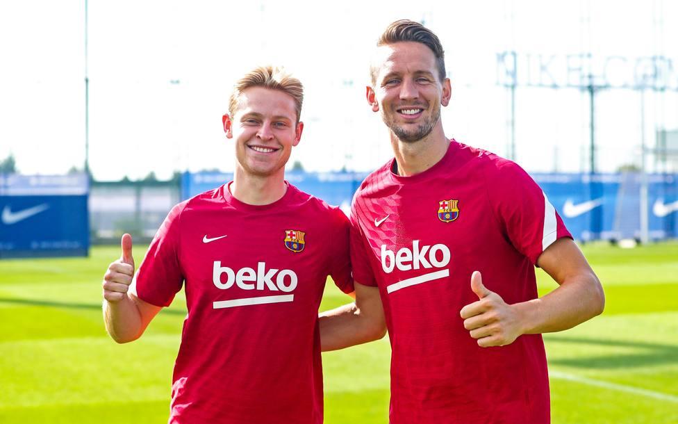 Frenkie y Luuk De Jong durante un entrenamiento con el FC Barcelona