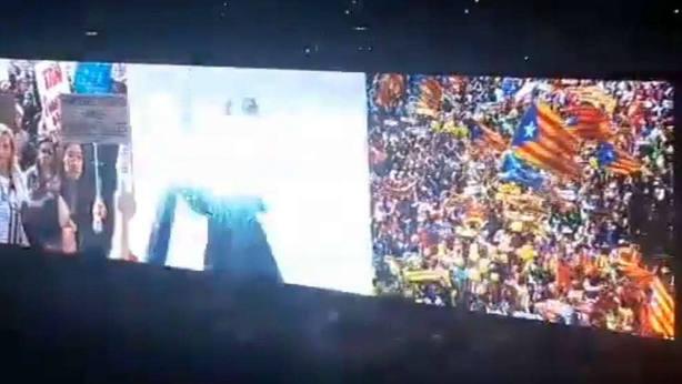 U2 incluye imágenes del independentismo catalán durante un concierto