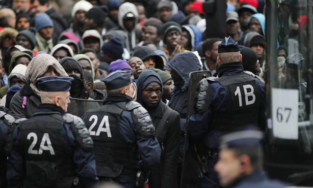 Mano dura contra inmigración en Europa