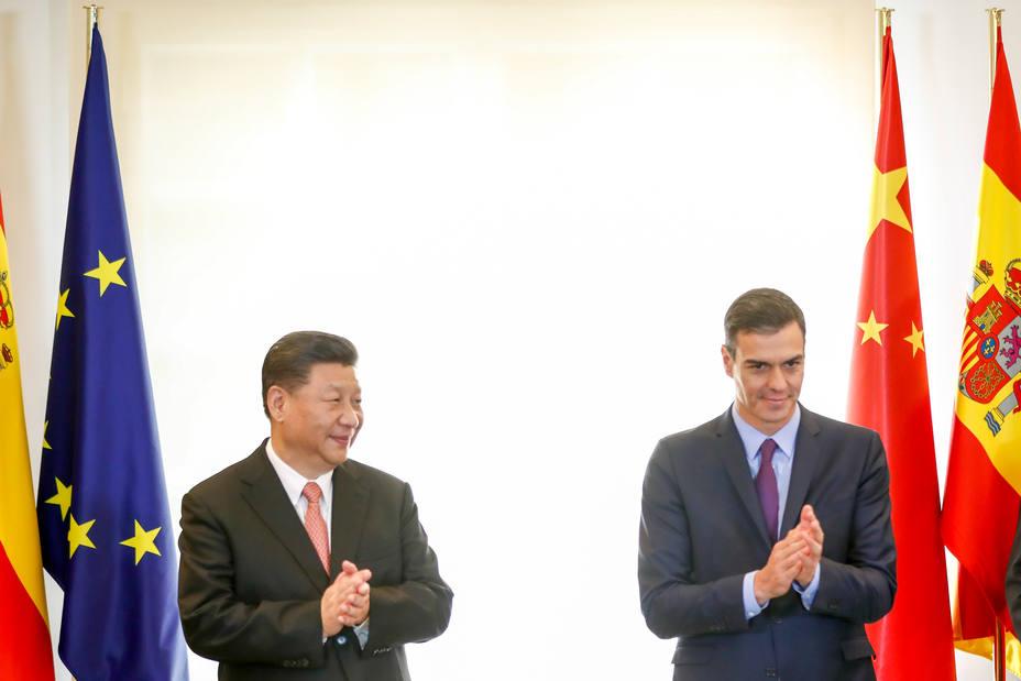 España y China suscriben protocolos sanitarios para la exportación de uva de mesa y de carne de porcino
