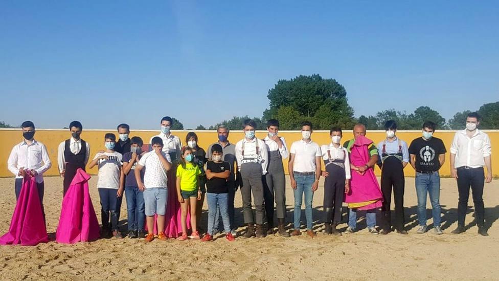 Los alumnos de la Escuela Taurina de Palencia durante uno de los tentaderos