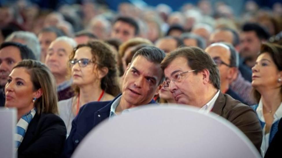 Fernández Vara y Pedro Sánchez en un acto (Archivo)