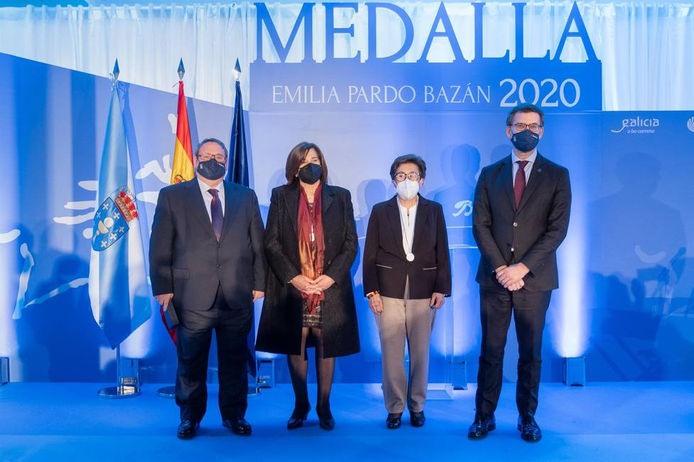 La Rede Veciñal Contra os Malos Tratos de Vigo recibe la medalla Pardo Bazán