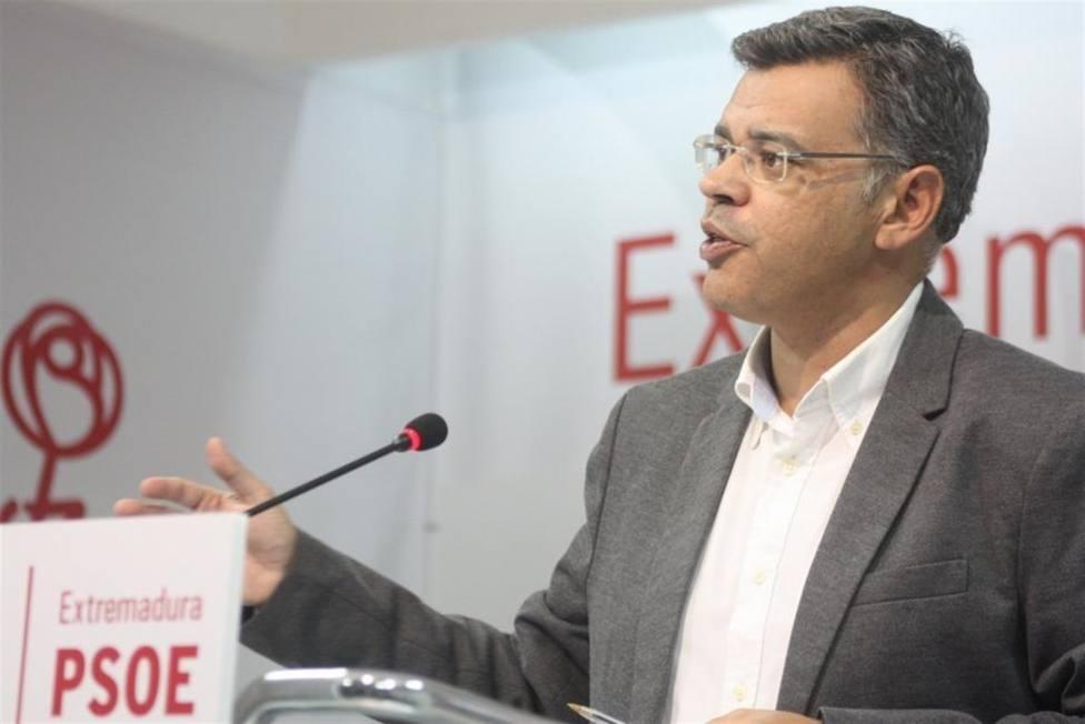 Juan Antonio González, portavoz del PSOE de Extremadura, en rueda de prensa. Foto: PSOE