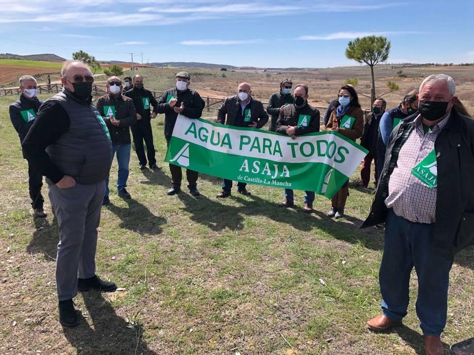 Asaja Castilla-La Mancha asegura que no ha habido ni una sola medida para apoyar el riego del campo