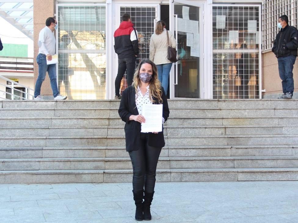 Carla Greciano presentando la denuncia en los juzgados villalbinos