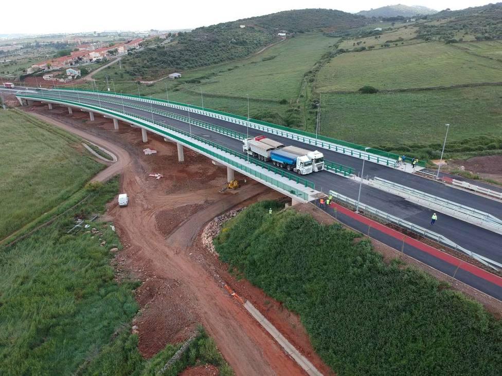 Prueba de carga viaducto Valdeflores en Ronda Sureste de Cáceres