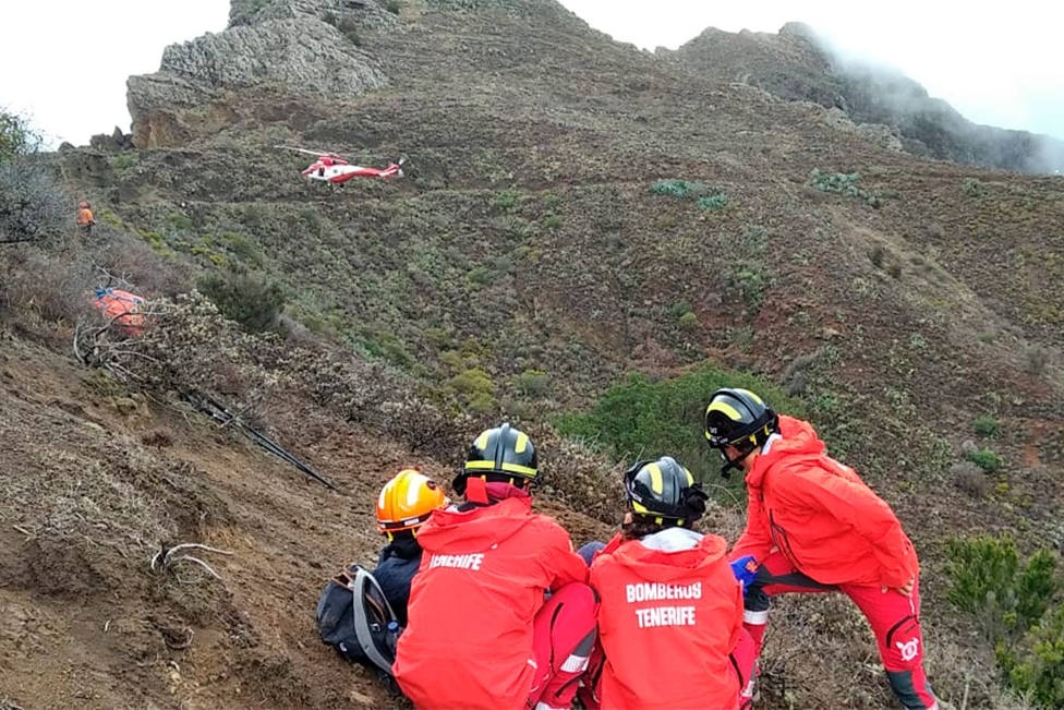 ctv-ayy-rescate-helicoptero-senderista-tenerife