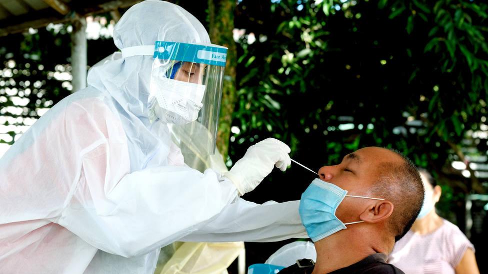 Malasia bate su récord de contagios diarios por segundo día consecutivo tras notificar 9.353 nuevos positivos