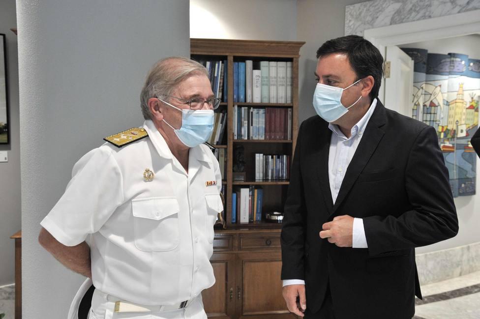 Frutos Ruiz con González Formoso en el despacho del presidente provincial - FOTO: Torrecilla / Diputación