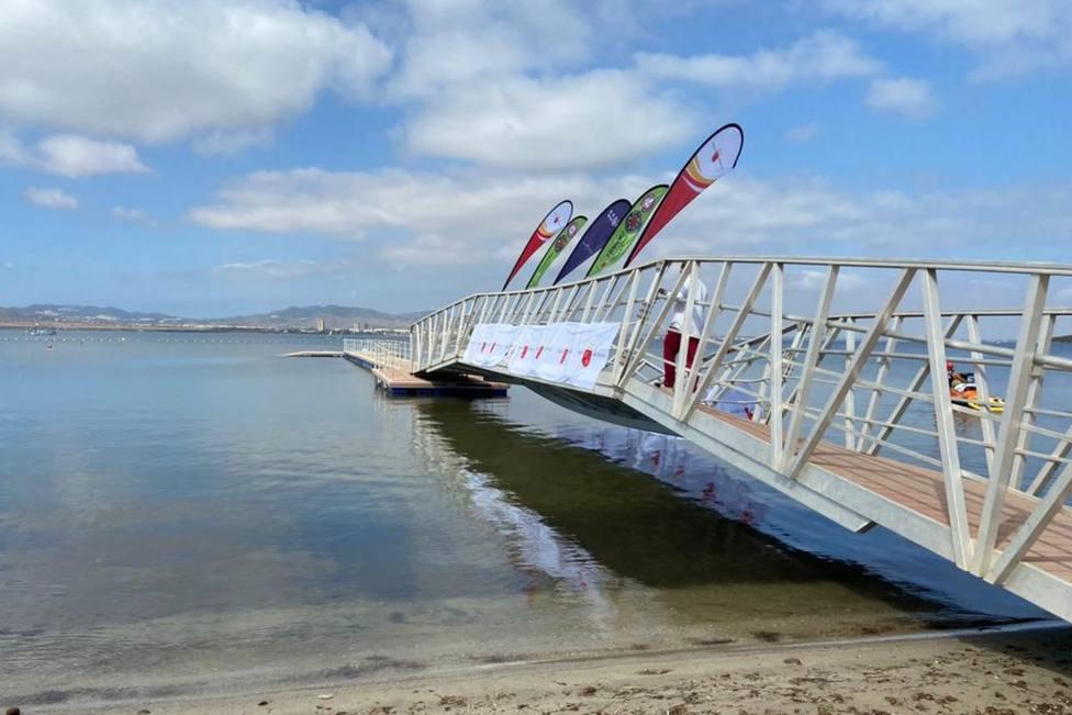El Ayuntamiento precinta la pasarela de Puerto Bello