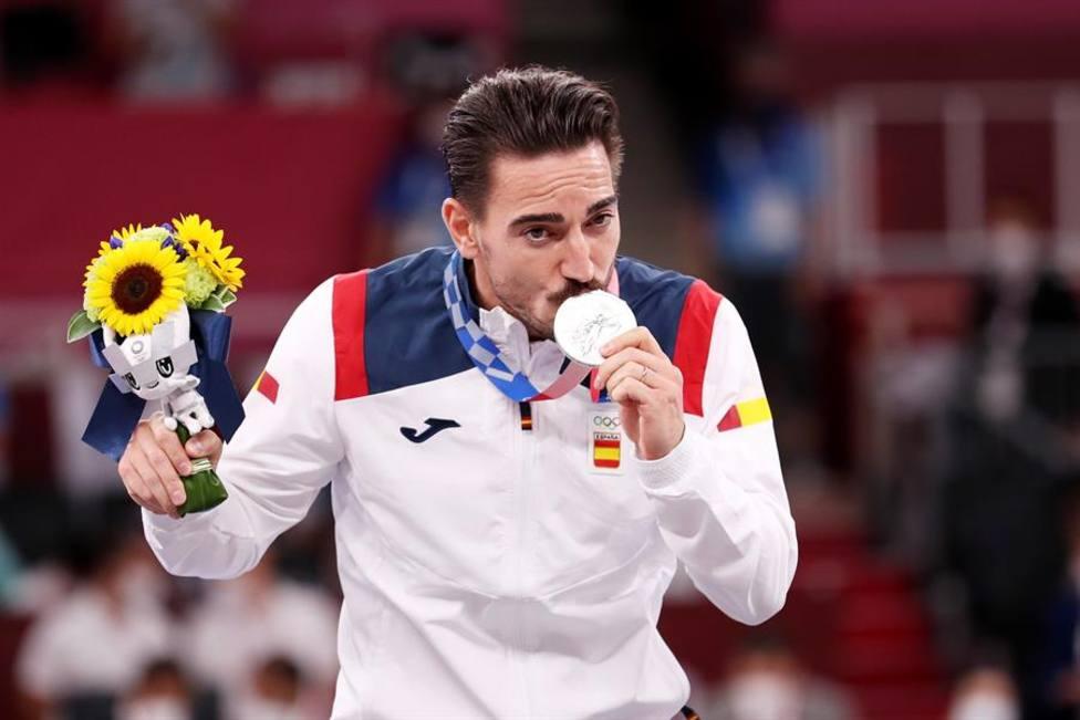 Damián Quintero, con la medalla de plata en kata