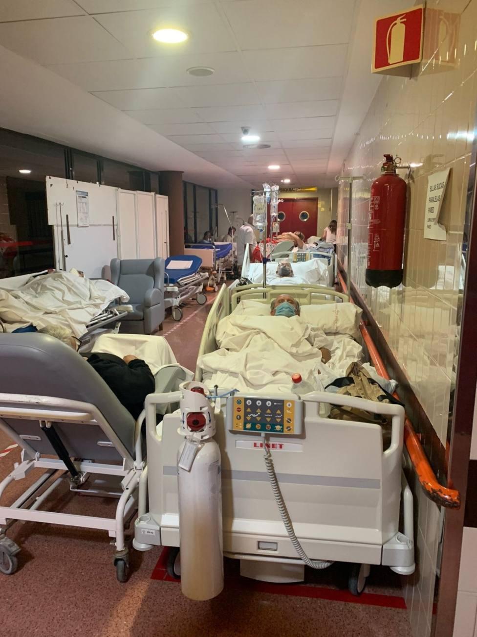 IU-Verdes denuncia que pacientes del Rafael Méndez llevan tres días en un pasillo para ingresar en planta