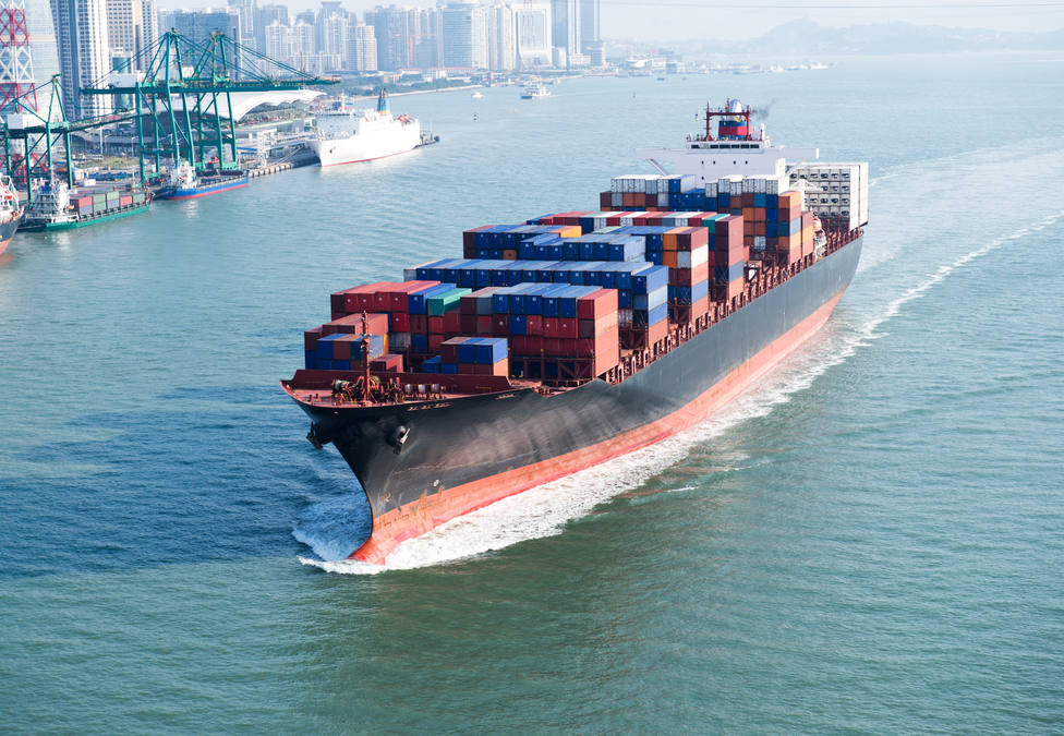Large,Container,Ship,Arriving,In,Port.