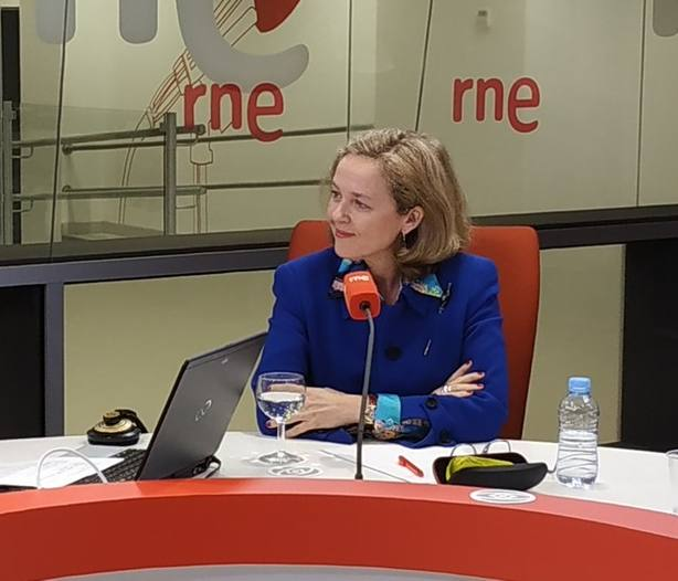 Calviño dice que no hay soluciones milagrosas para el sistema de pensiones y apuesta por un pacto amplio